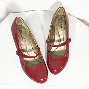 Red patent strapped MARY Jane Pumps -hush puppies